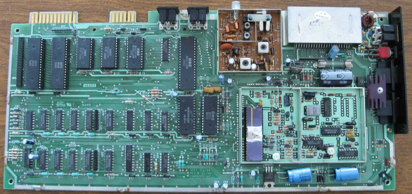 Mjks Commodore Hardware Overview 64 Motherboard Circuit Board Components Find Picture Of Original Ntsc C64